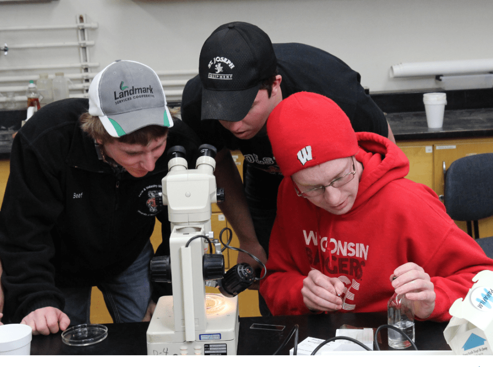 students working in a plant pathology class