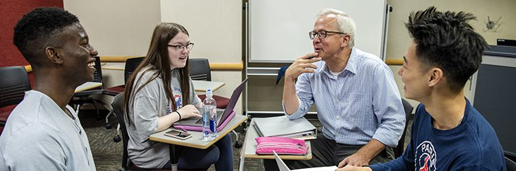 UW–Madison financial economics students have a classroom discussion.